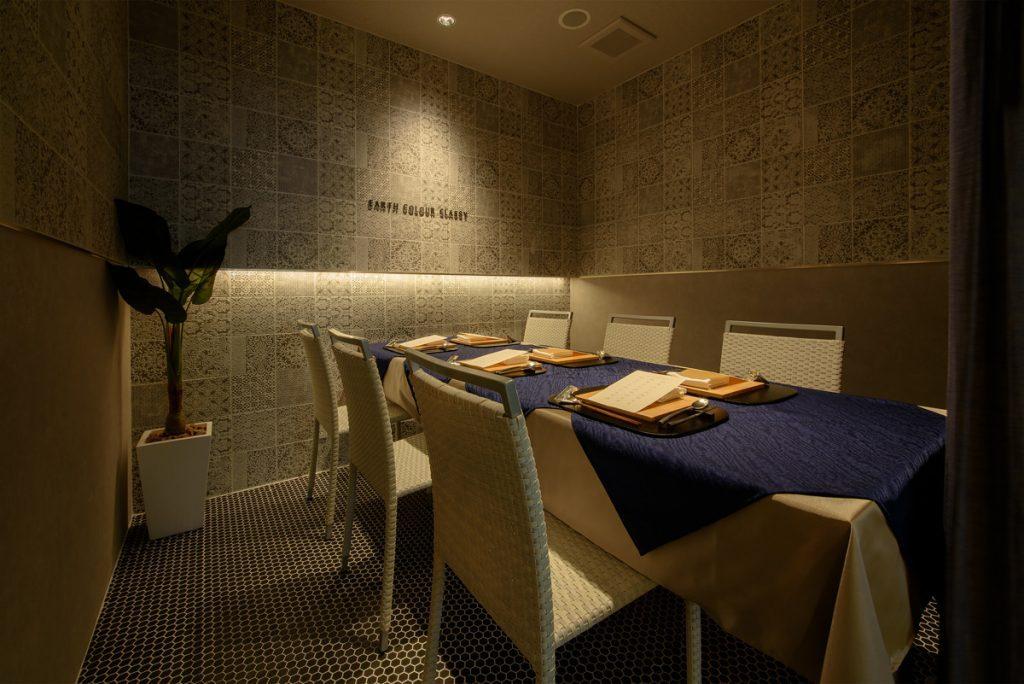 飲食店の内装デザイン。自然栽培、無農薬野菜、無添加食品を扱うレストラン。