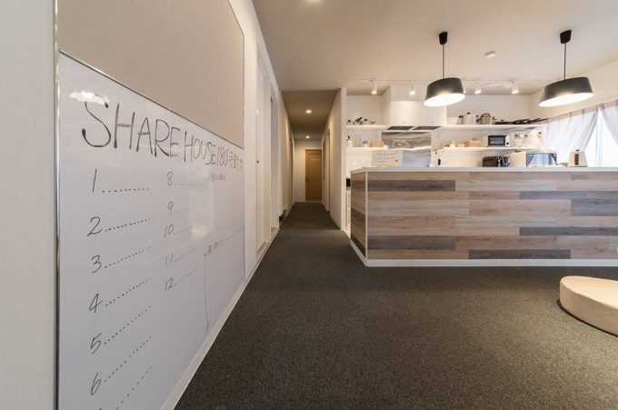 シェアハウスの内装デザイン。 少しポップ感のあるインダストリアルな雰囲気を取り込んだデザインで、大人になったばかりの若者がコアターゲットのリノベーション物件です。
